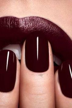 Perfect oxblood lipstick with oxblood nails.Want dark lips,like nail color:)