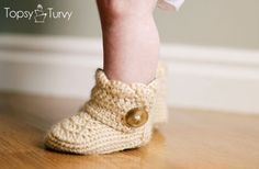 Crochet wrap around button baby boots- girls and boys - Im Topsy Turvy