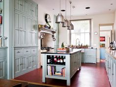 Kitchen Designs: Stunning Storage