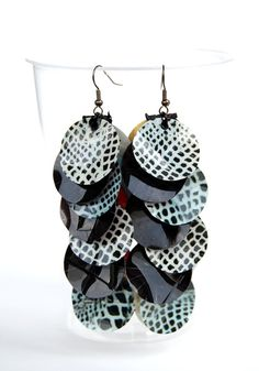 Upcycled earrings PET plastic paper black by Filoecoloridiila, €18.00