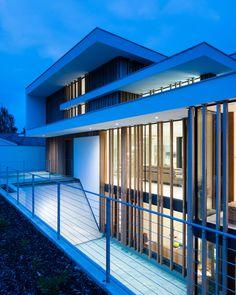 River House by Selencky Parsons