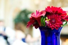"""Read: """"4th of July Flowers: A New Way To Do Red White and Blue""""  -  Fly Me To The Moon Florists  #floral arrangements #flower #red white blue flowers"""