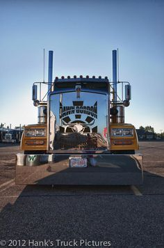 Long, low and cool Kenworth.