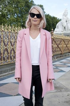 fashion weeks, pastel pink, outfit, street style london, pink coat, street styles, london fashion, hair, winter coats
