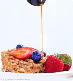 Baked Oatmeal Recipe - Family Size! http://chocolatecoveredkatie.com