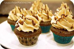 Vegan Machine: Vegan MoFo - Post 22 - Chocolate/Peanut Butter Cupcakes