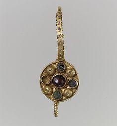 Garnet, Gold & Glass Earring, 6th - 7th Century, Langobardic or Byzantine