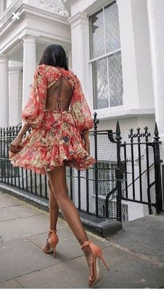 Long Sleeve Dress / Street style fashion / #dress #fashion #womensfashion #streetstyle #ootd #style / Pinterest: @fromluxewithloveLong Sleeve Dress / Street style fashion / #dress #fashion #womensfashion #streetstyle #ootd #style / Pinterest: @fromluxewithlove