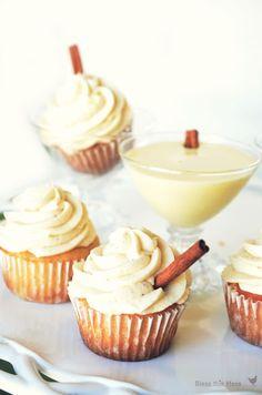 Delicious eggnog cupcakes!!