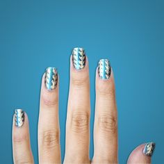 #Emmys Mani: GAME OF THRONES - Daenerys Targaryen rules her section of Westeros with an iron fist, platinum princess hair, and a slew of gorgeous teal-and-gold tunic dresses. An aqua manicure with metallic accents is both playful and powerful – try it at home with Sally Hansen's Black and Blue and Wedding Glitters. - #SallyHansen from #InStyle