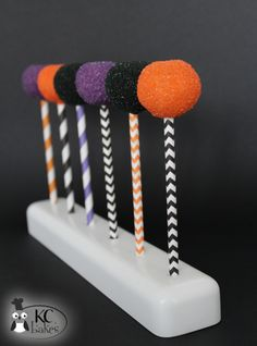 Halloween Cake Pops + Free Printables >> KC Bakes