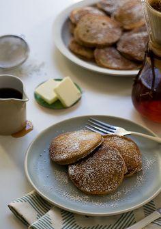 Gingerbread Pancakes // www.acozykitchen.com