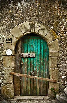 green doors, window, rustic doors, color, sicili