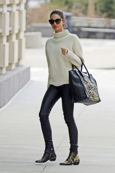 Trendy ancle boots and the classic Céline bag.