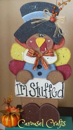 Cute turkey craft. Thanksgiving craft by Carousel Crafts.