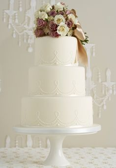 idea, vintage weddings, vintage wedding cakes, elegant cakes, simple cakes, vintage cakes, vintage inspired, flower, cake toppers