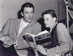 Was gregory peck homosexual? ChaCha