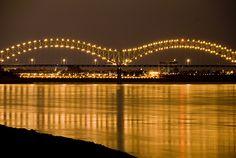 Memphis, Tn. bridge over the Mississippi River.