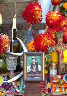 I love this Frida Kahlo shrine at a wedding.