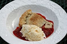 Food and Garden Dailies: Strawberry-Rhubarb Pie