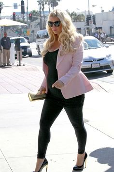 A pregnant Jessica Simpson arriving at The Ivy in Santa Monica for a Valentine's lunch date.