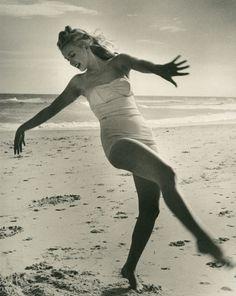 peopl, beaches, marilyn monroe, beach beauty, inspiration photography, long island, at the beach, norma jean, marilynmonro