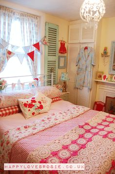 Bedroom remodel ideas on pinterest headboards diy for Cath kidston style bedroom ideas