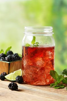 ole smoki, drink, blackberri moonshin, cocktail, lemon lime, blackberries, soda, mason jars, blackberry moonshine recipe