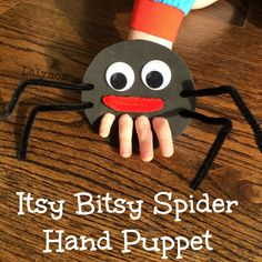 Itsy Bitsy Spider Hand and Finger Puppet from Lalymom. Click through for simple tutorial and craft foam tip. #KidsCrafts #CreativeMamas #KBN #PlayMatters