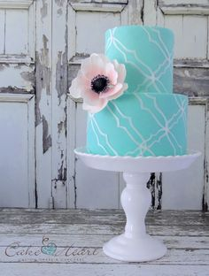 beauti cake, quatrefoil cake, blue, blush anemon