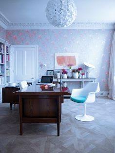 Sophie Conrans via Interior Magasinet | feminine wallpaper