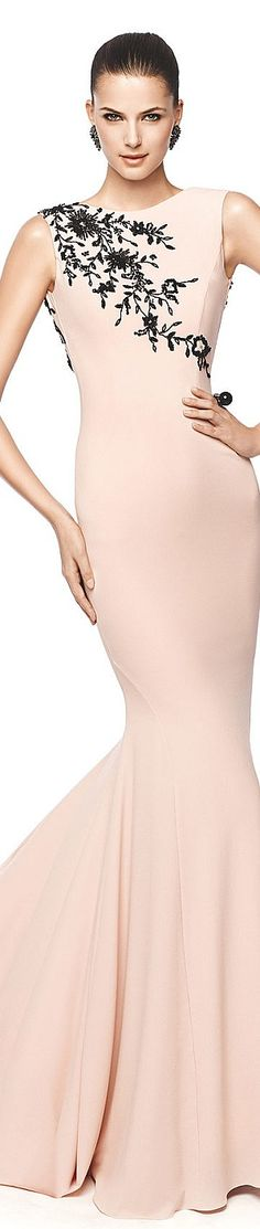 Glamour Gown: Pronovias*NEO