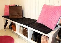 cubbies for handbags in your mudroom #bagstorage