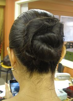 An example of a Chignon hairstyle