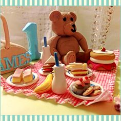 Teddy Bears Picnic cake by The Flying Tea Parlour
