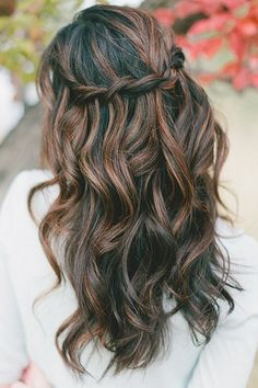 Love the dual dark tones. Nice soft waves with a simple waterfall braid make this look perfect for the fall breeze.