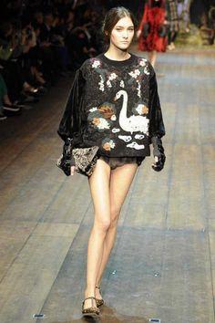 Dolce & Gabbana Winter 2015 Collection #MFW #AW14  #FashionWeek fall2014, fashion weeks, autumn, milan fashion, fall 2014, flats, gabbana fall, photo galleries, 2014 readytowear