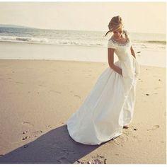Style Spotlight: Wedding dresses with pockets!