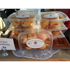 Great food retailing using our Genpak deli containers for some coconut macaroons.