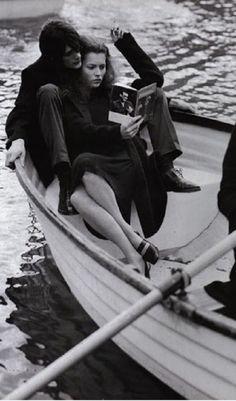 romanc, vogue italia, reading books, romantic dates, boat, romantic gestures, bruce weber, close reading, kate moss