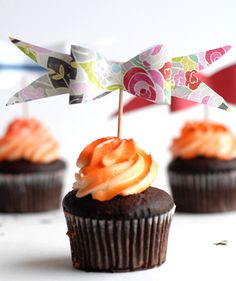 Paper Bow Cupcake Toppers