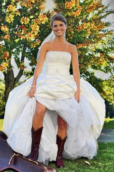 cowgirl boots #wedding #photography #bride