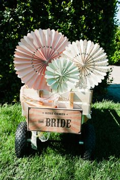 oversized DIY rosette wheels // design by VeryMerryEvents.com // photo by AlfredandEmma.com