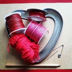Materiales #manualidad #romántica #Corazón de hilos