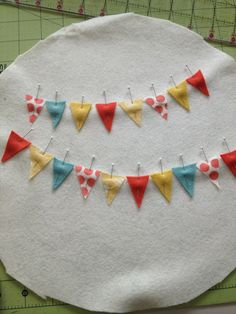 how to do a bunting embroidery hoop