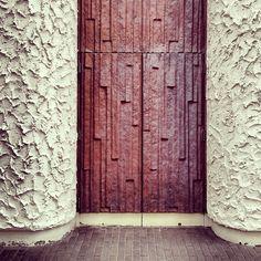 textured doors Photo by @happymundane on Instagram