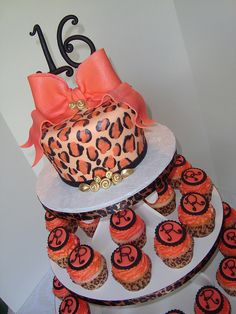 Cheetah Print Cakes | cheetah print or leopard cake | Flickr - Photo Sharing!