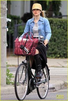 Celebrities on bikes: Rachel McAdams