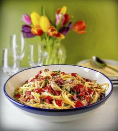 Bucatini pasta with lemon, tuna and capers