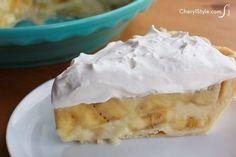 No-fail banana cream pie! This easy recipe guarantees success!